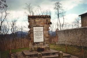 Cimitero di San Martino - Cippo in memoria di Don Giovanni Fornasini