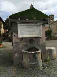 La fontana del borgo